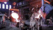 Unser Bild zeigt einen Walzenguß bei der Leonhard Breitenbach GmbH in Siegen-Trupbach.