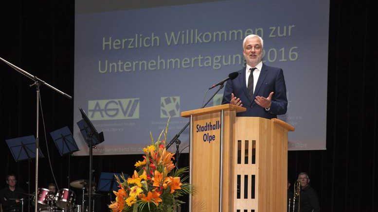 NRW-Wirtschaftsminister Garrelt Duin zu Gast auf der diesjährigen Unternehmertagung in Olpe.