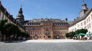 Schloß Berleburg ist sicherlich immer einen Besuch wert. Allerdings sind die Übernachtungszahlen in Siegen-Wittgenstein auch 2016 rückläufig.